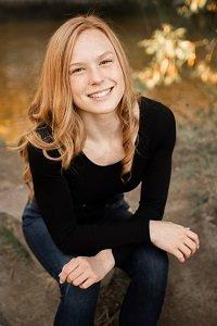 Hailey Defferding senior photo